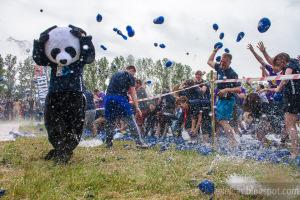 Wielka Bitwa Wodna, na balony z wodą