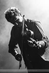 Lider Zakopower ze skrzypcami