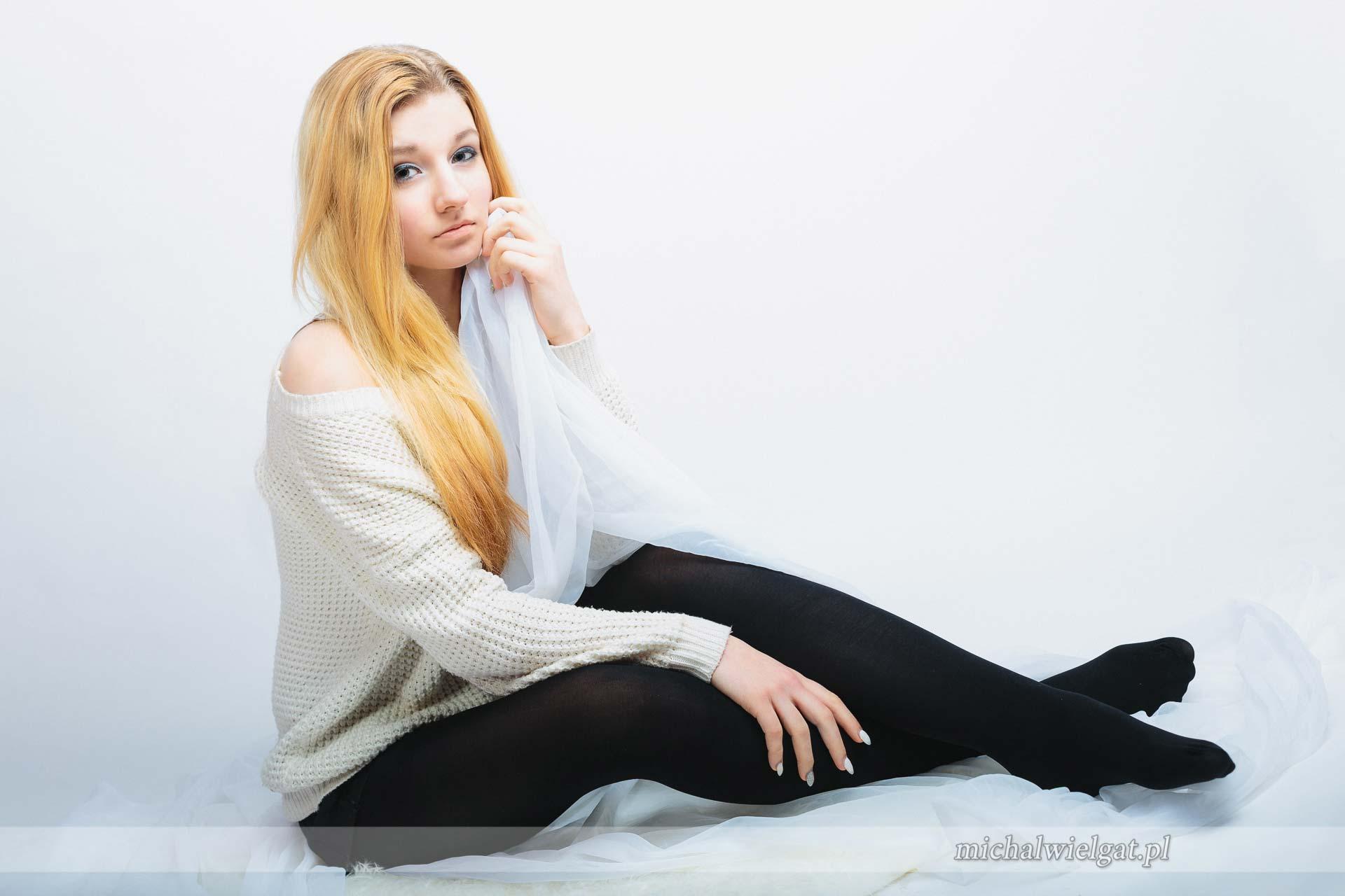 Modelka Agnieszka studyjna sesja zdjęciowa Słupsk glamour