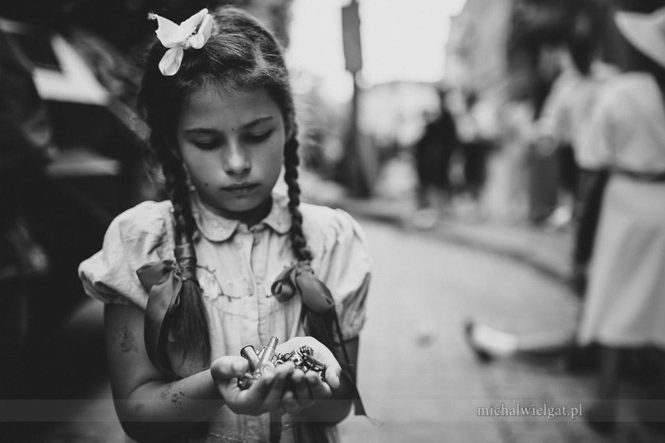 Powstanie Warszawskie - dziewczynka z łuskami