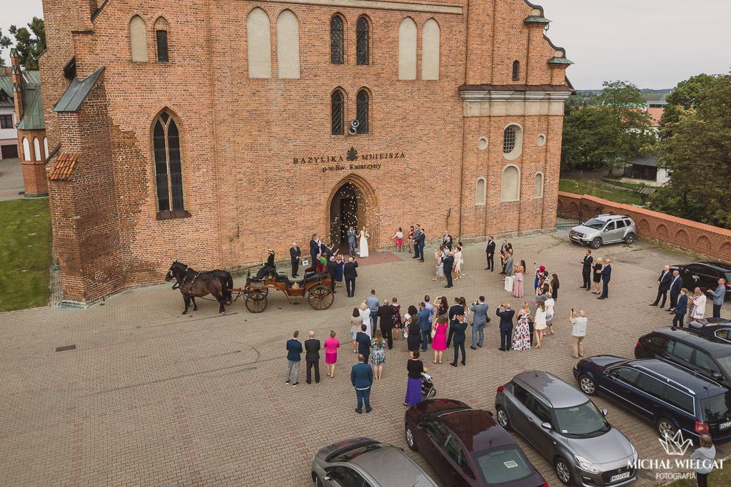 wyjście z Bazyliki kościół Braniewo