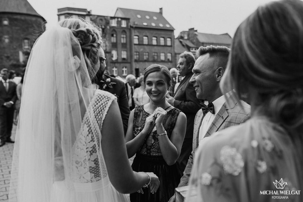 ślub w Bazylika Mniejsza Braniewo, Monika i Paweł, fotograf ślub Michał Wielgat Fotografia, profesjonalny fotograf na ślub, para młoda, fotograf Braniewo, Elbląg